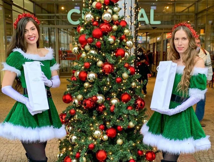 Our marketing team Lenka&Alex wish you Merry Christmas!